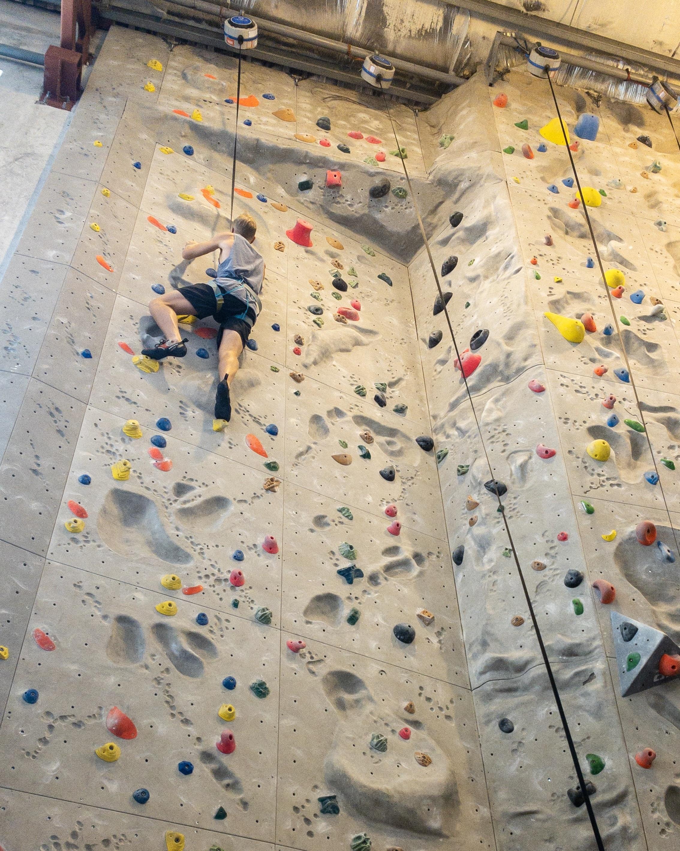 alex-climbing