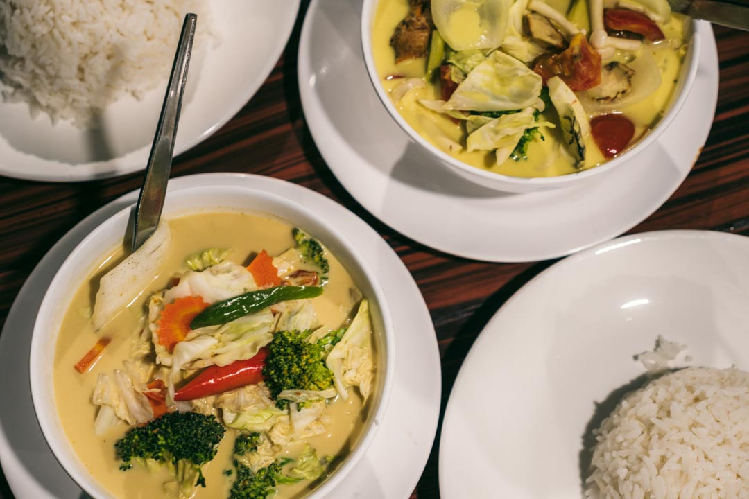 Thai curries with vegetables and rice