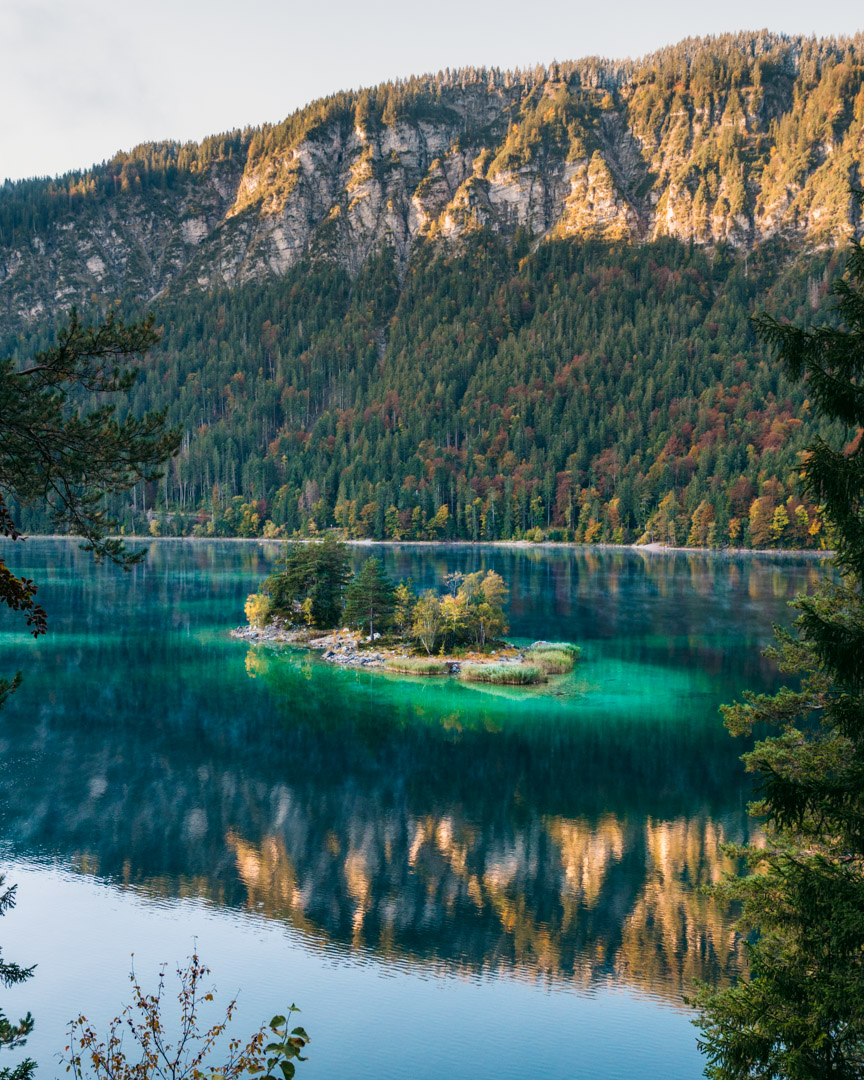 Visiting Lake Eibsee in autumn