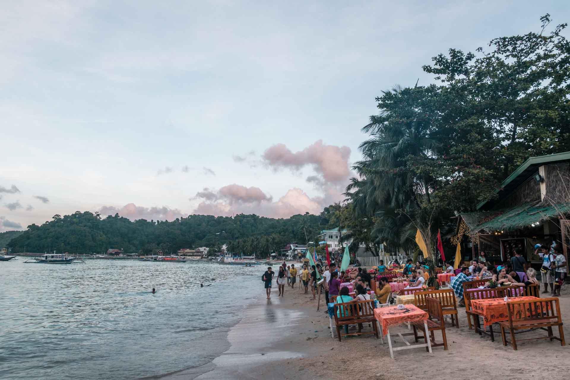 Restaurants at the beach in El Nido