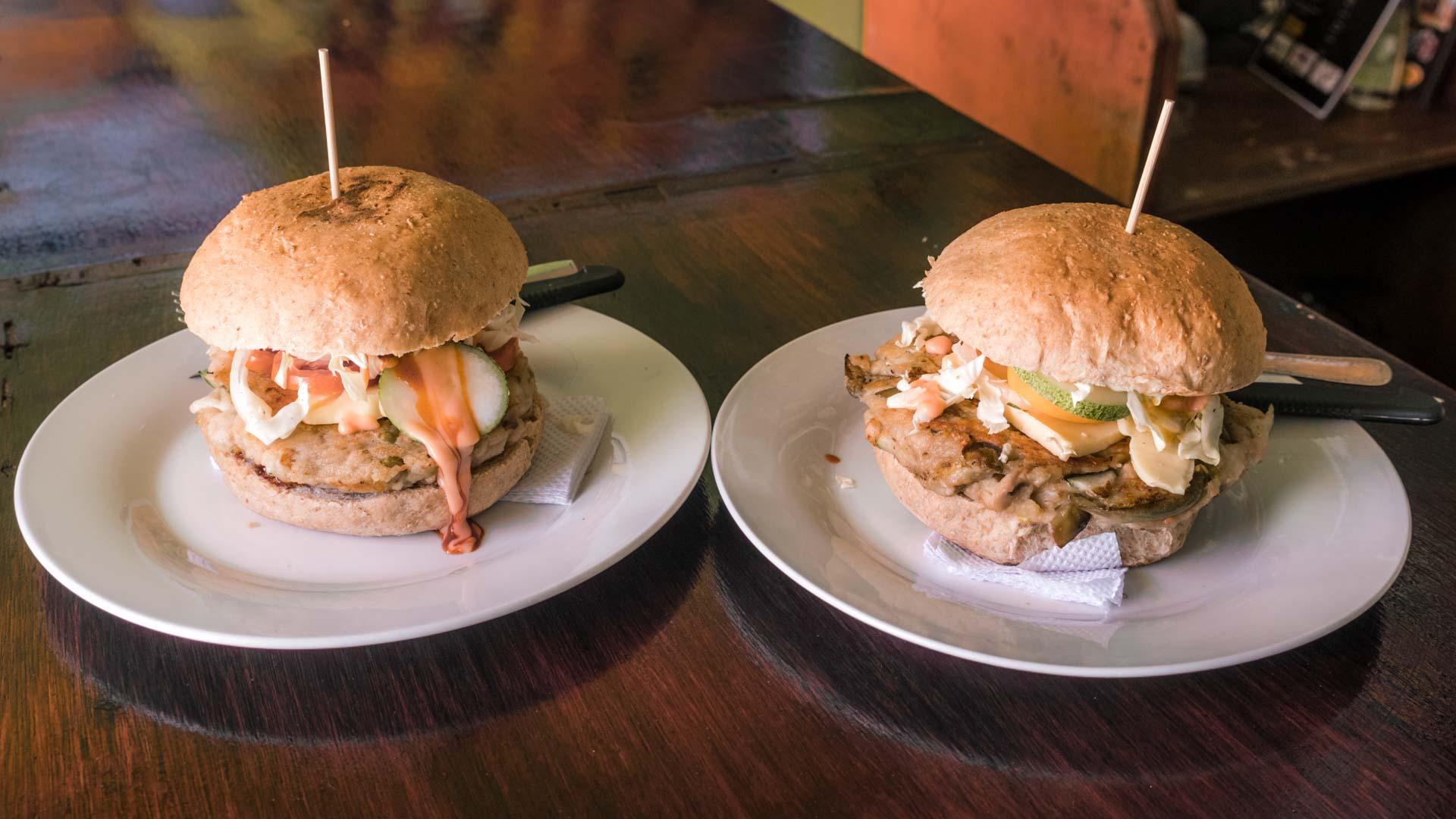 Paul's Magic burgers in El Nido