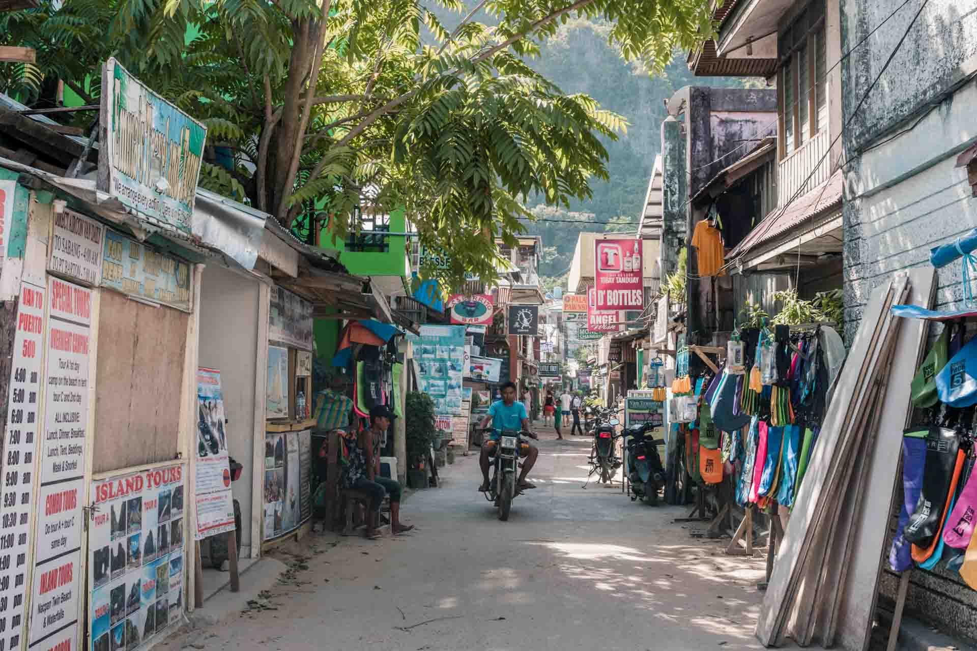 Narrow street in El Nido Town
