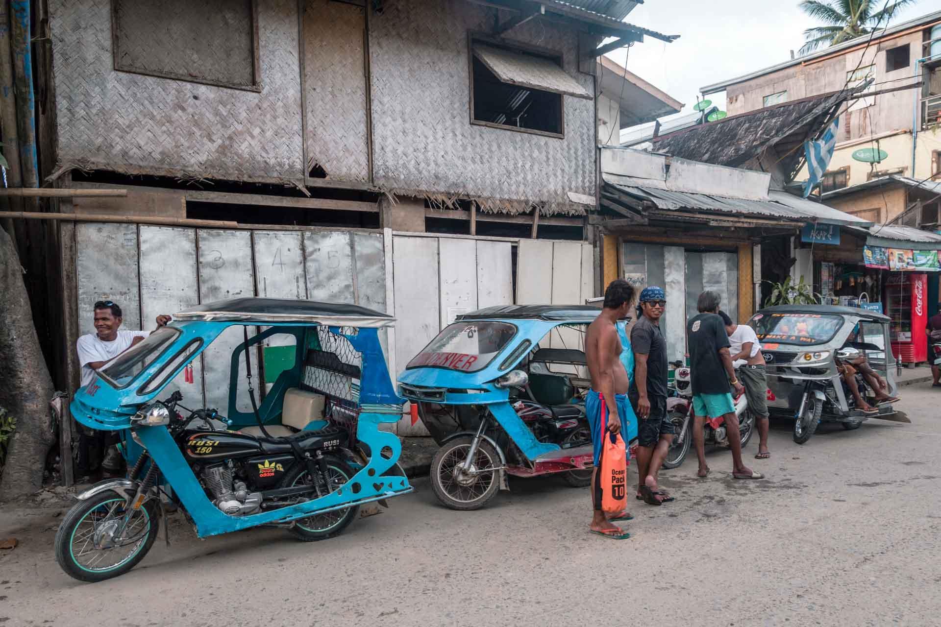 Tricycle drivers in El Nido