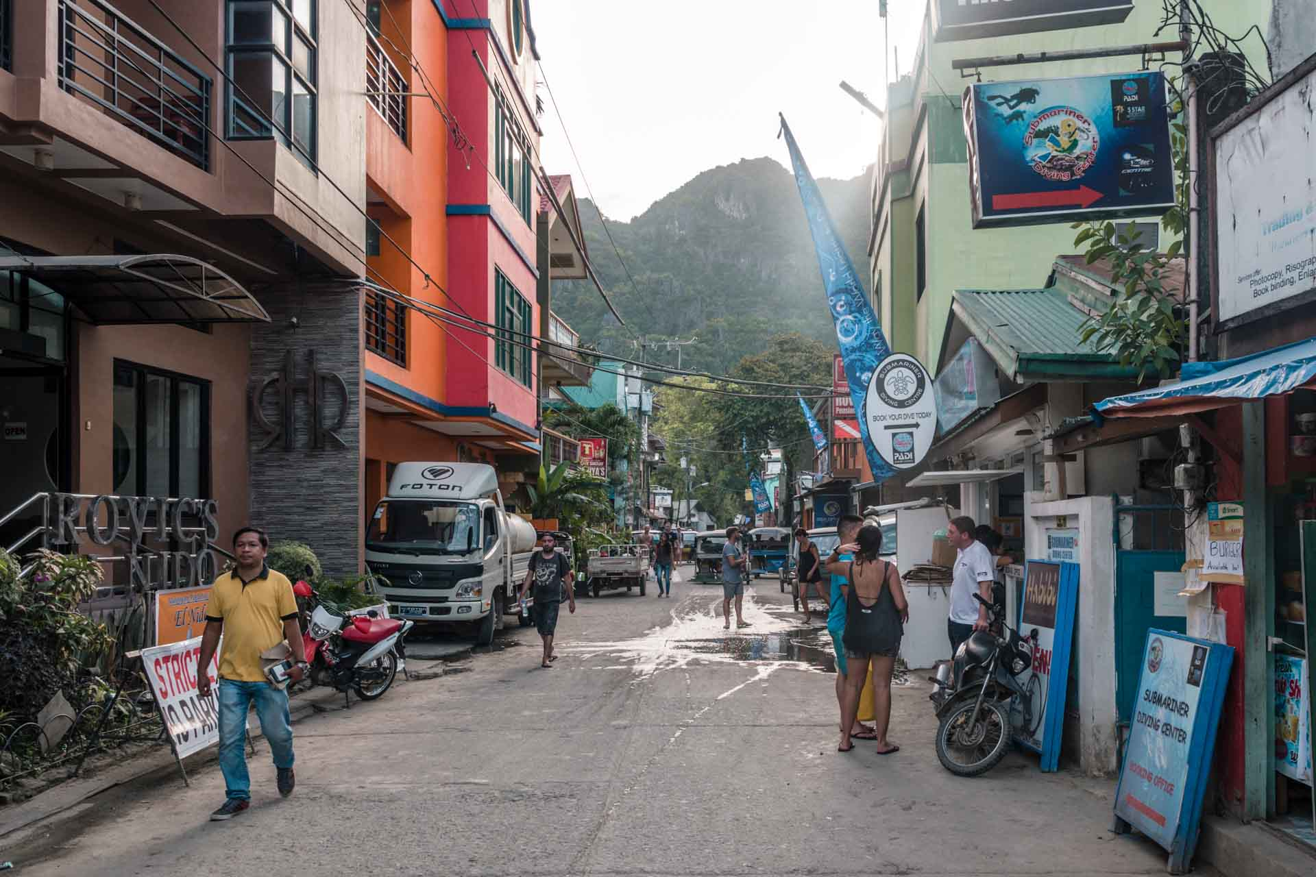 Small street in El Nido Town
