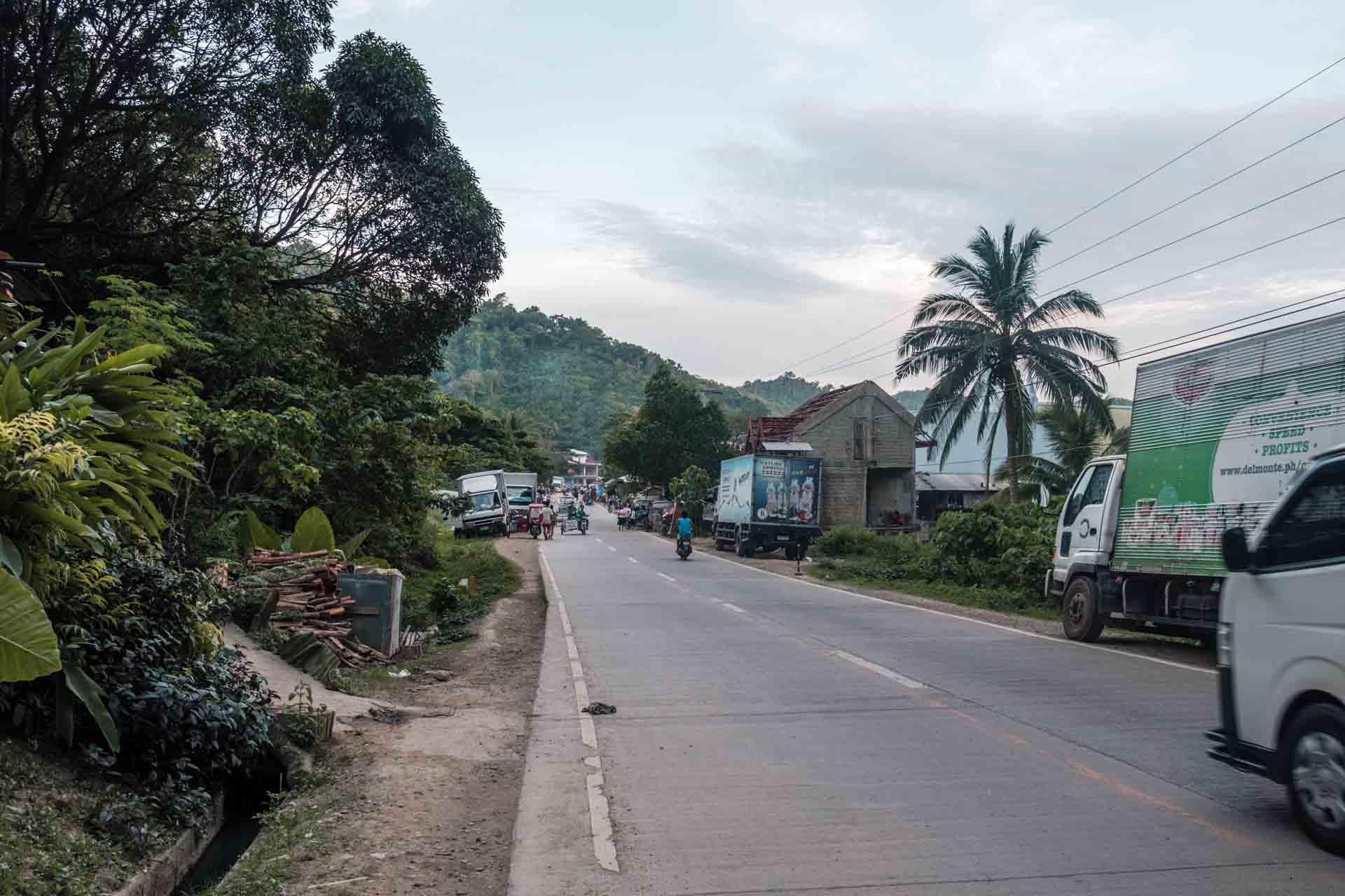 The road from El Nido to Las Cabanas