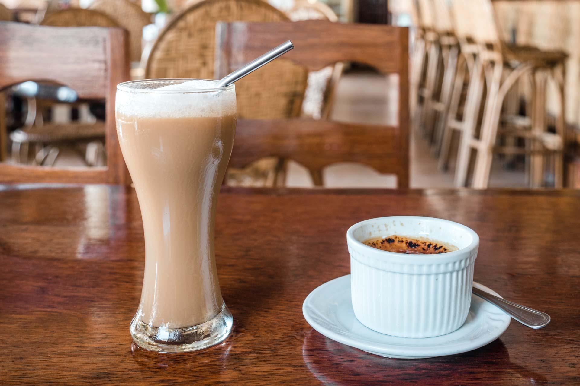 Coffee and dessert at Art Café
