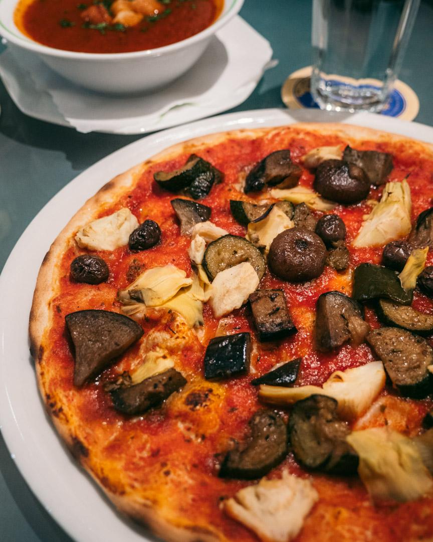 Vegan pizza and tomato soup