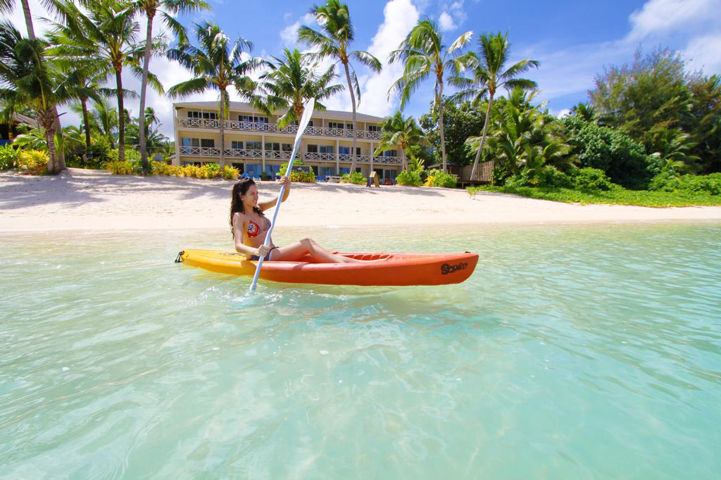 Moana Sands kayak