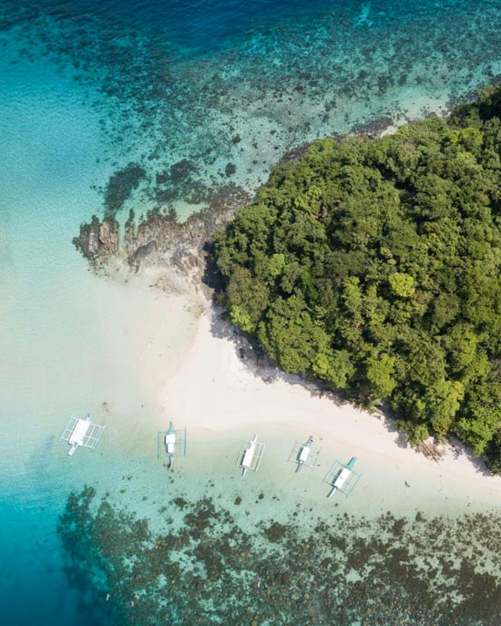 Islands surrounding Palawan