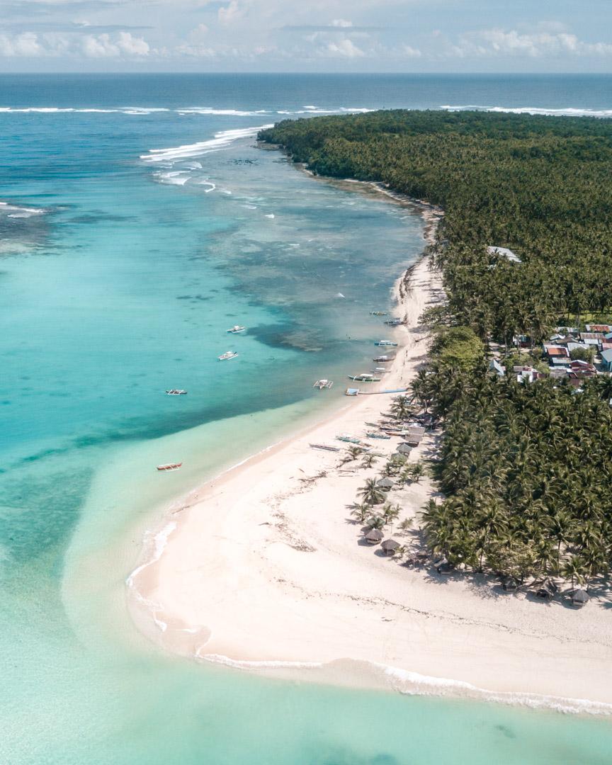 Picturesque Daku Island close to Siargao