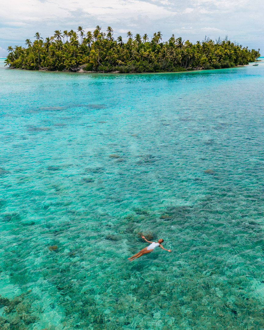 Victoria floating in the Cook Islands