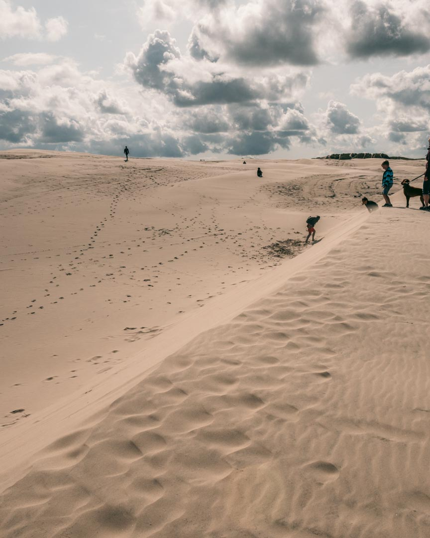 The migrating dune sandbox and kids
