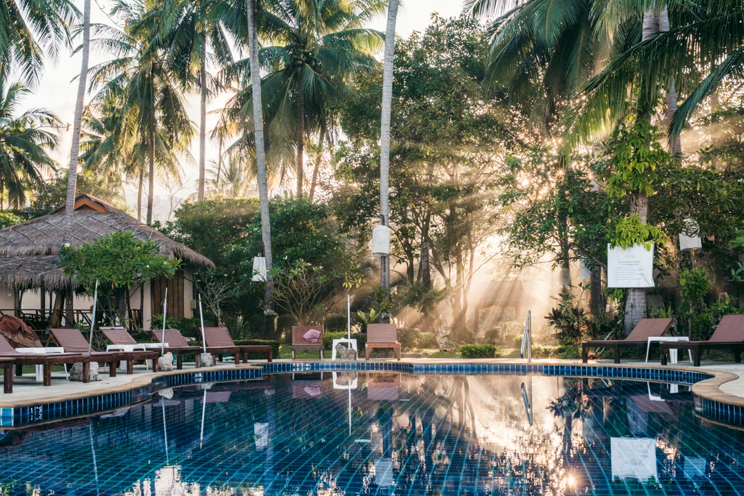 Pool with sun rays