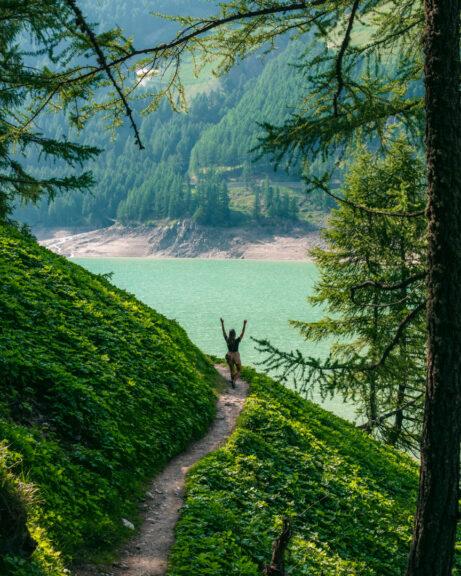 Lago di Vernago hike
