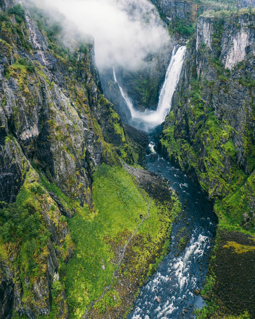 Hiking to the bottom of the Vøringsfossen waterfall