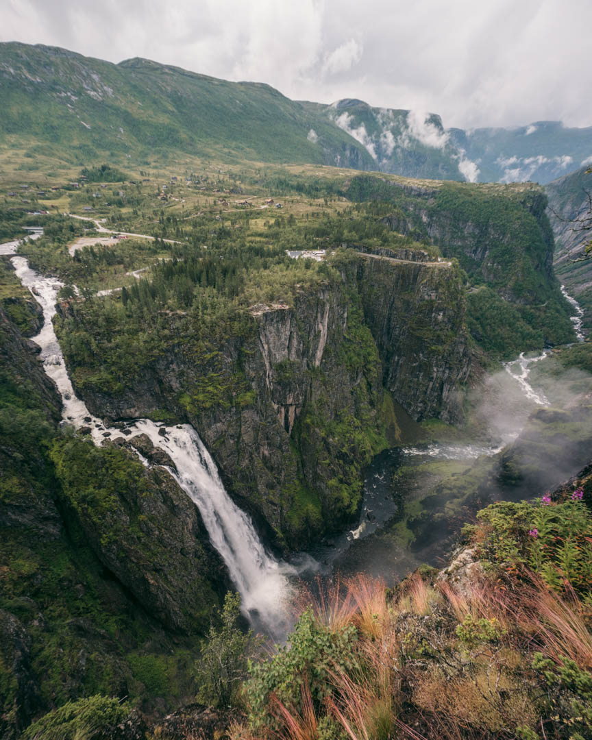 Vøringsfossen and the beautiful Måbådalen