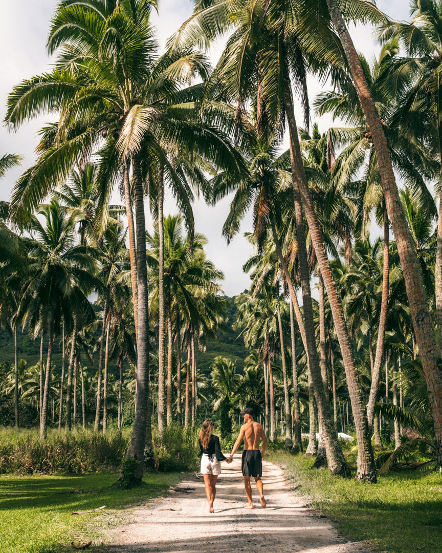 Alex and Victoria in the Cook Islands